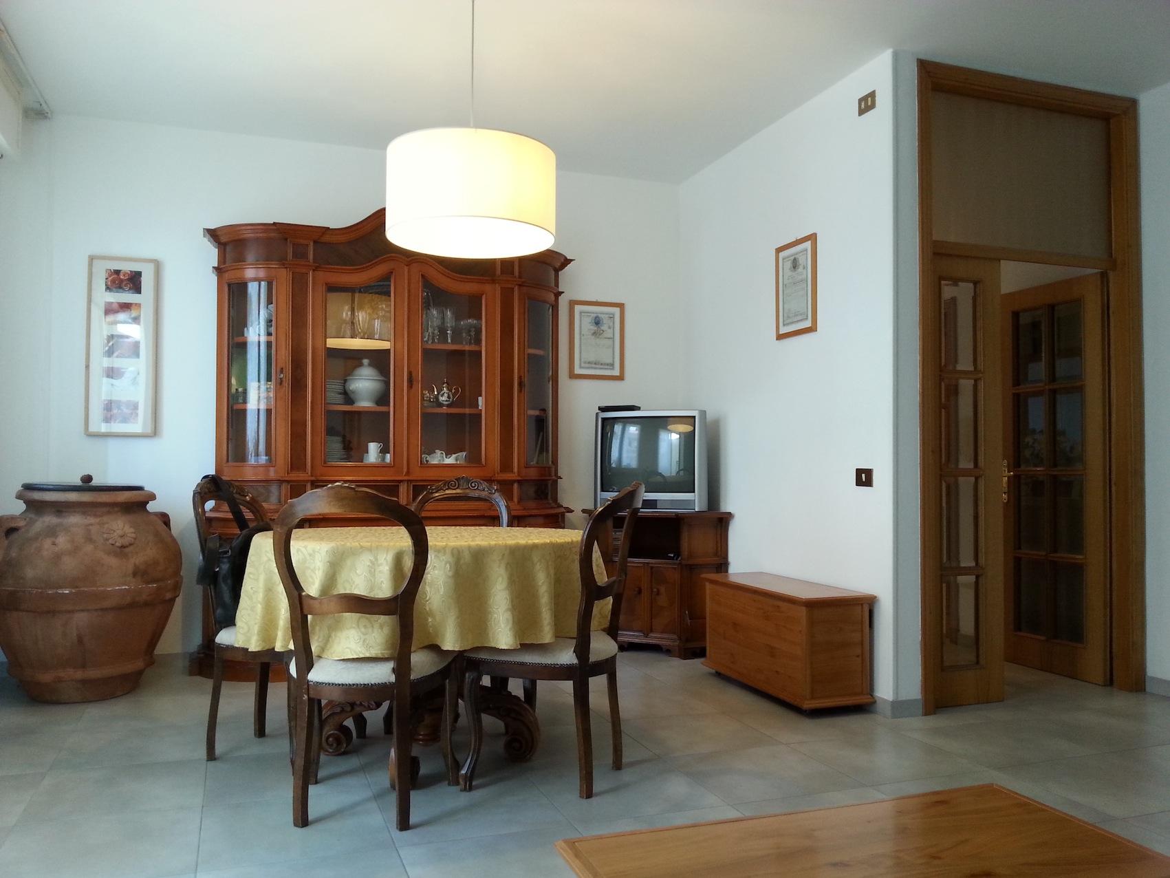 RICCIONE FONTANELLE, appartamento in vendita con terrazzo abitabile e garage
