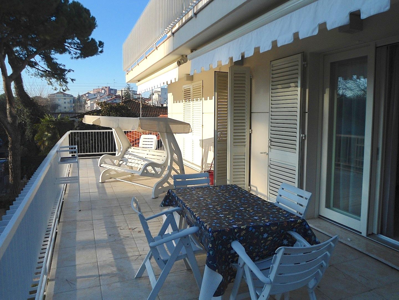 RICCIONE ABISSINIA, Appartamento in affitto stagionale con splendido terrazzo abitabile
