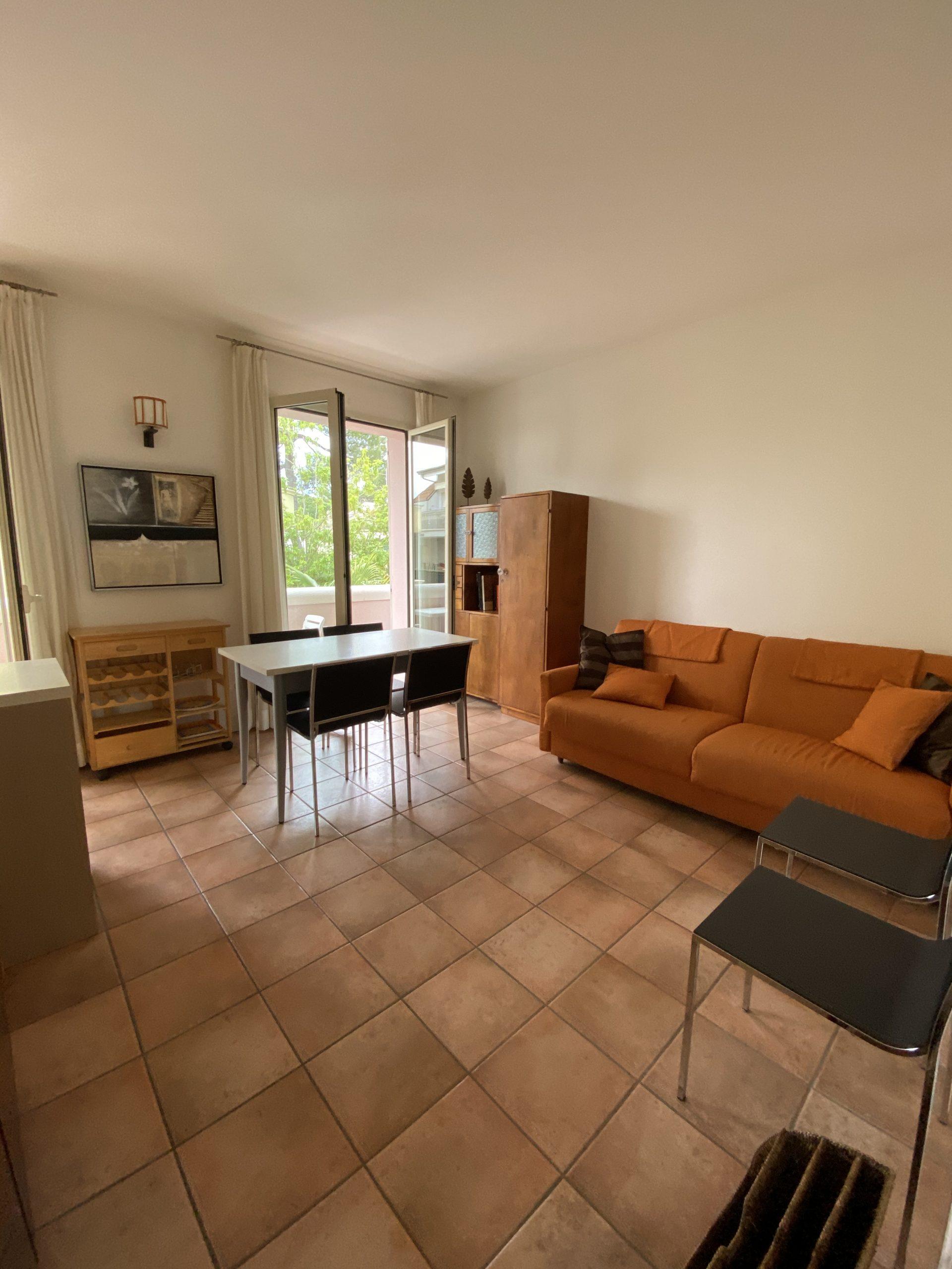 RICCIONE ABISSINIA, Appartamento in affitto stagionale con posto auto coperto