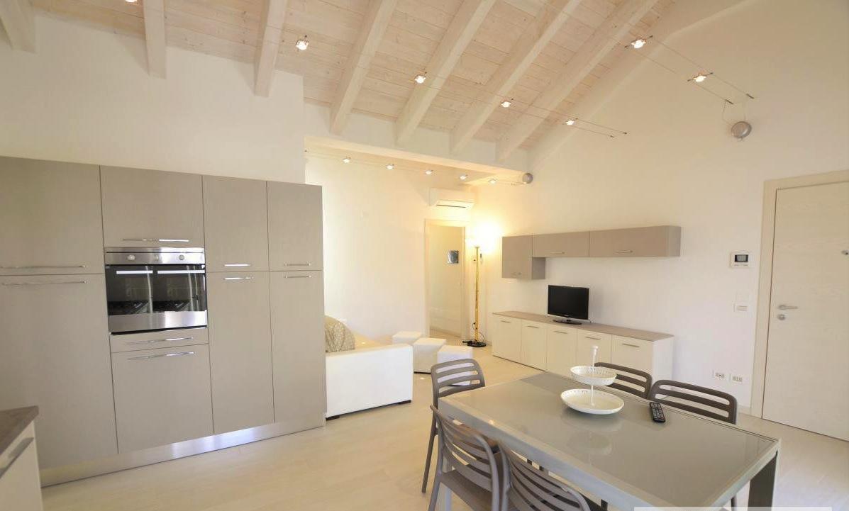 RICCIONE ABISSINIA, appartamento in affitto stagionale o vendita ampio terrazzo