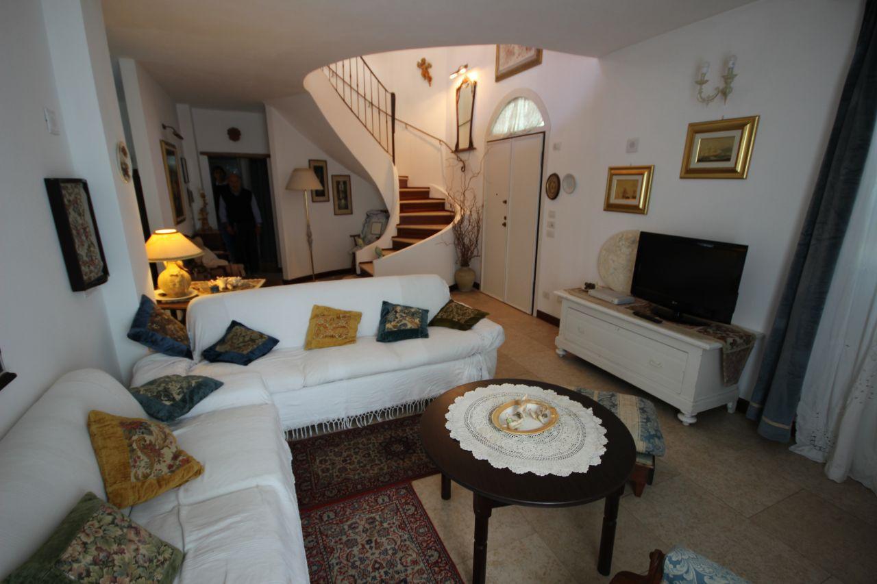RICCIONE ABISSINIA, villa in vendita 100 mt dal mare