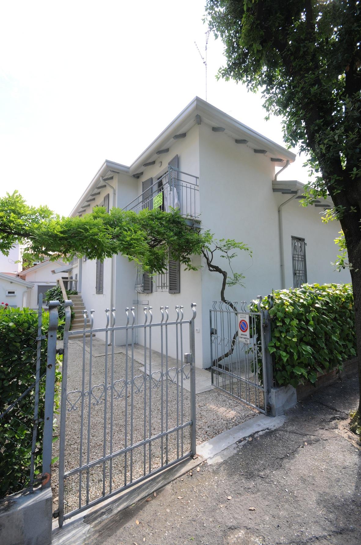 Riccione centro appartamento con 3 camere in affitto - Bagno 90 riccione ...