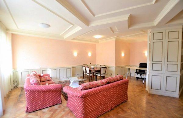 Riccione centro appartamento in affitto annuale con for Affitto appartamento