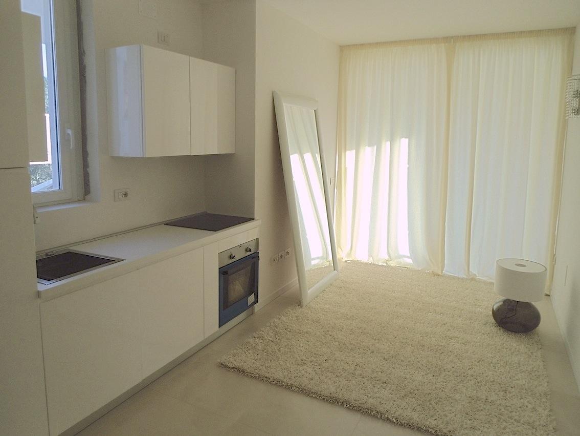 RICCIONE TRAVERSA CECCARINI, Appartamento in affitto annuale e stagionale