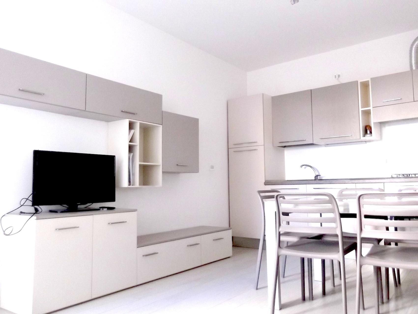 RICCIONE ABISSINIA, Appartamento in affitto stagionale con giardino