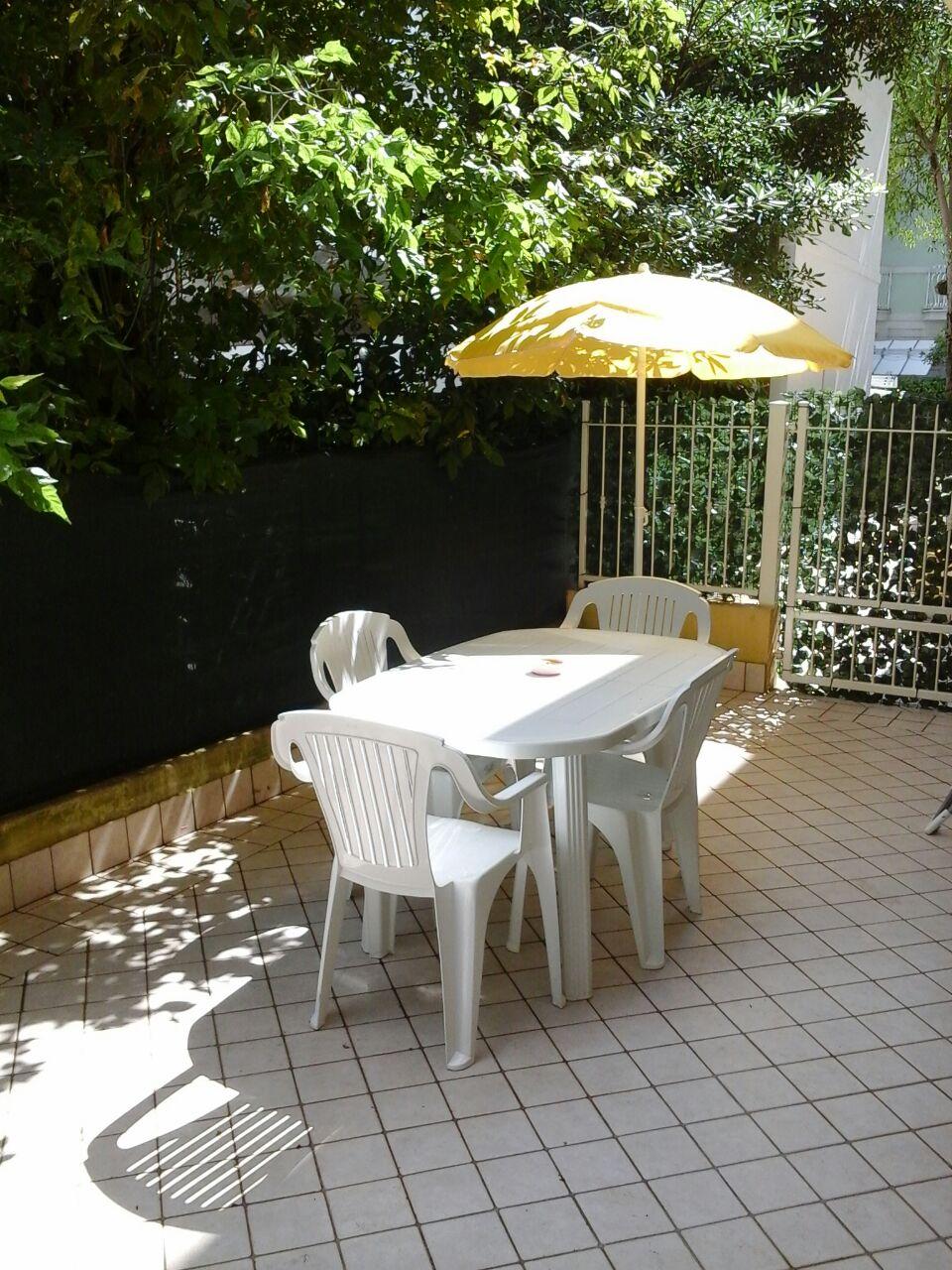 RICCIONE ABISSINIA, Trilocale in affitto stagionale con terrazzo abitabile