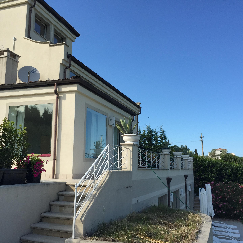Scacciano villa panoramica con piscina affitto stagionale - Villa in affitto con piscina ...