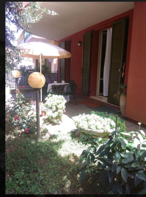 Riccione alba appartamento in affitto stagionale con giardino for Casa con 6 camere da letto in vendita vicino a me