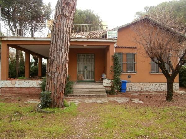 RICCIONE PORTO, villa in vendita  ampia metratura  da ristrutturare