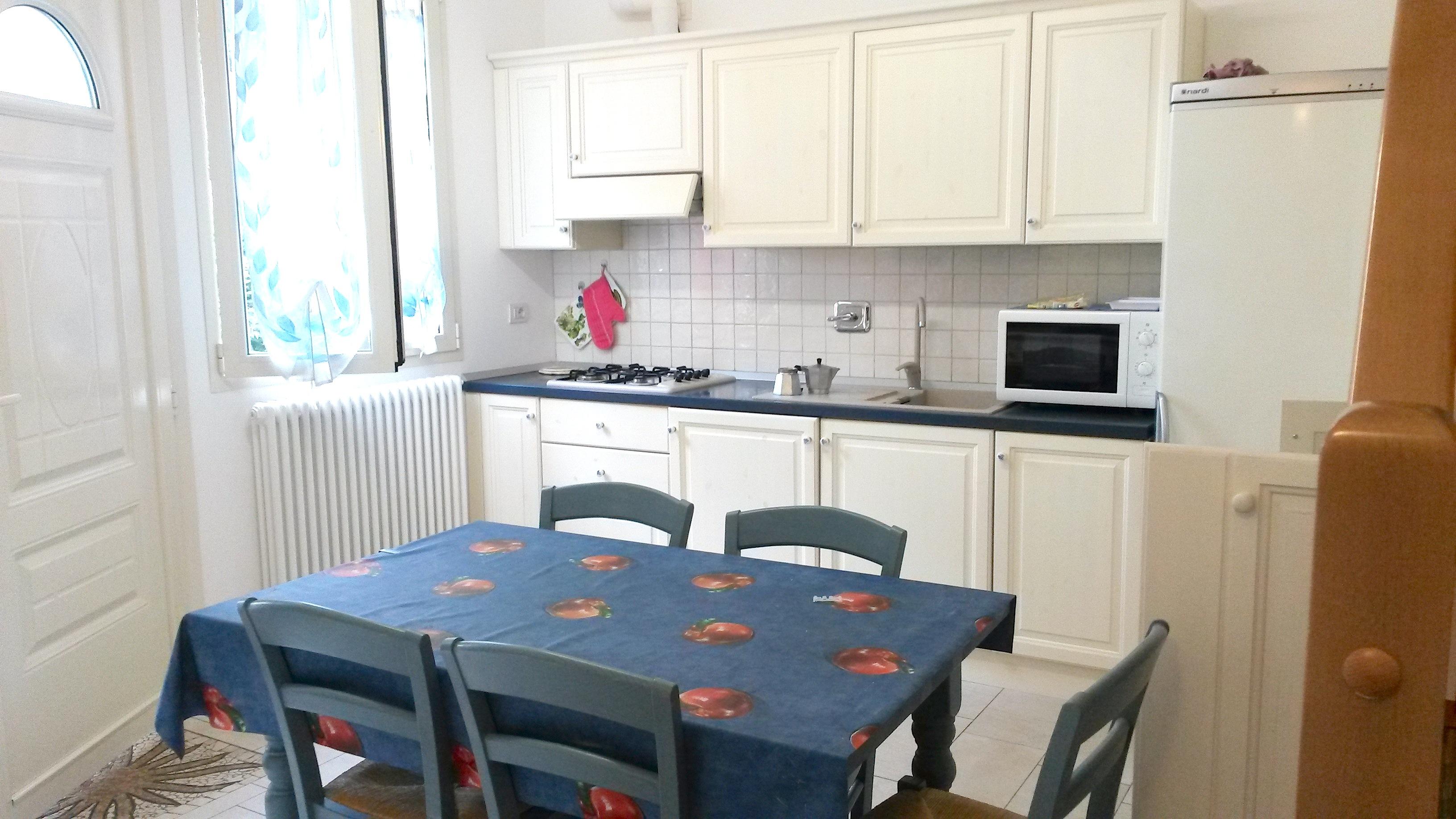 RICCIONE ABISSINIA, appartamento in affitto stagionale  con 3 camere