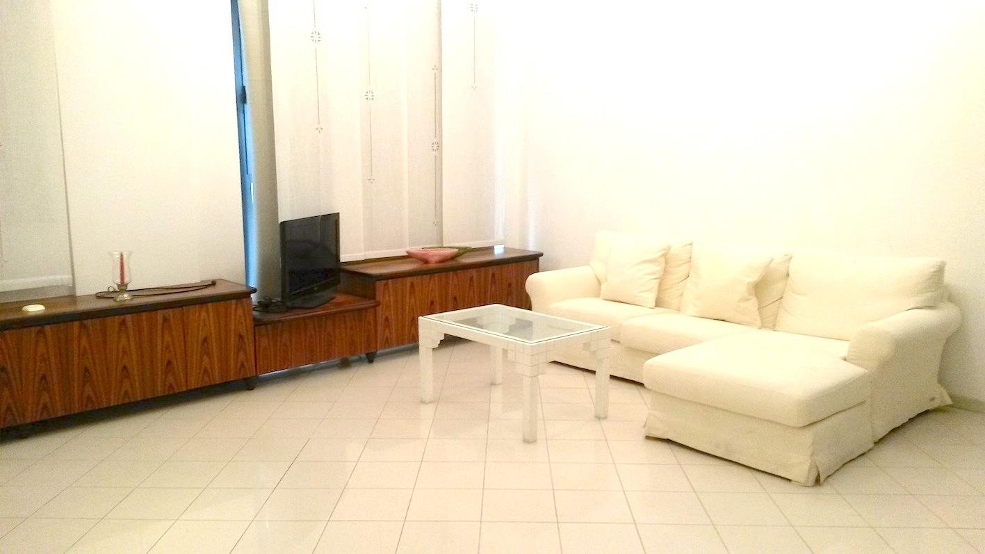 RICCIONE CENTRO CECCARINI, Appartamento con 3 camere in affitto stagionale