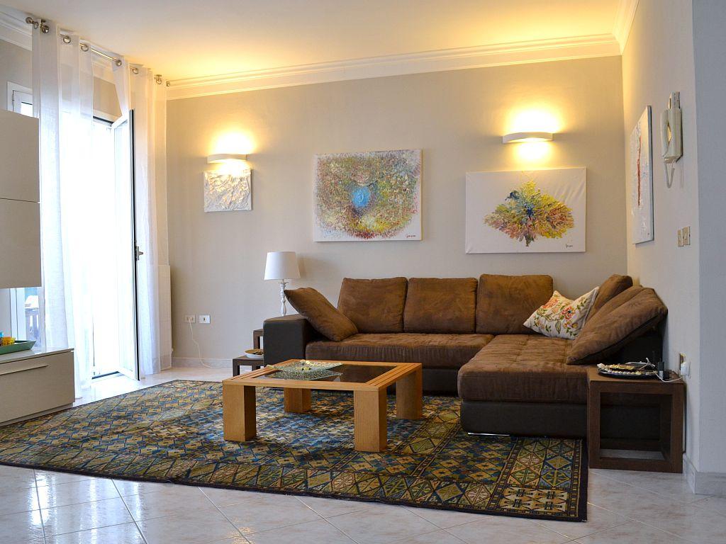 RICCIONE ALBA, Elegante appartamento in affitto stagionale con 3 camere