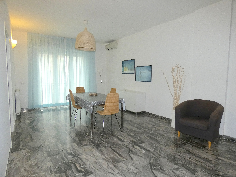 RICCIONE CENTRO, Appartamento affitto annuale/stagionale 50 mt dal mare