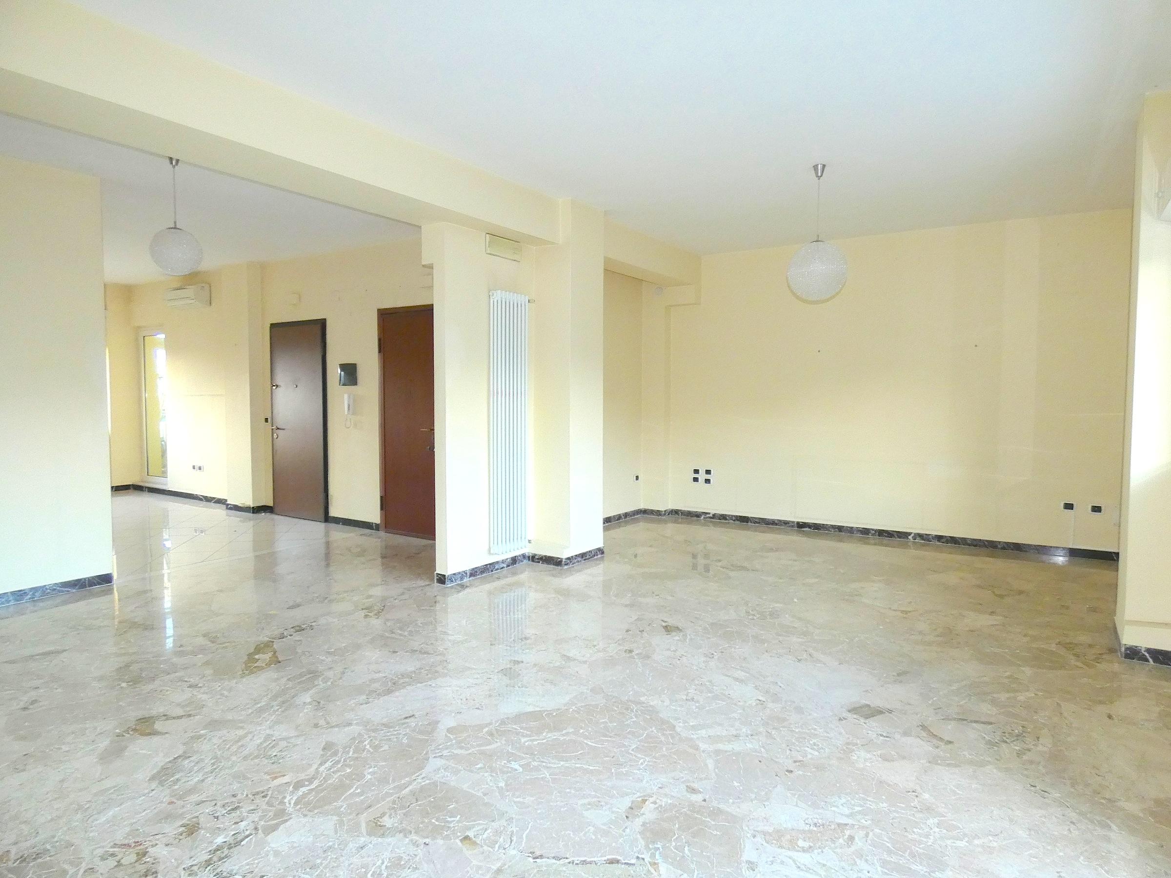 RICCIONE VIALE CECCARINI, Appartamento in vendita  ampia metratura