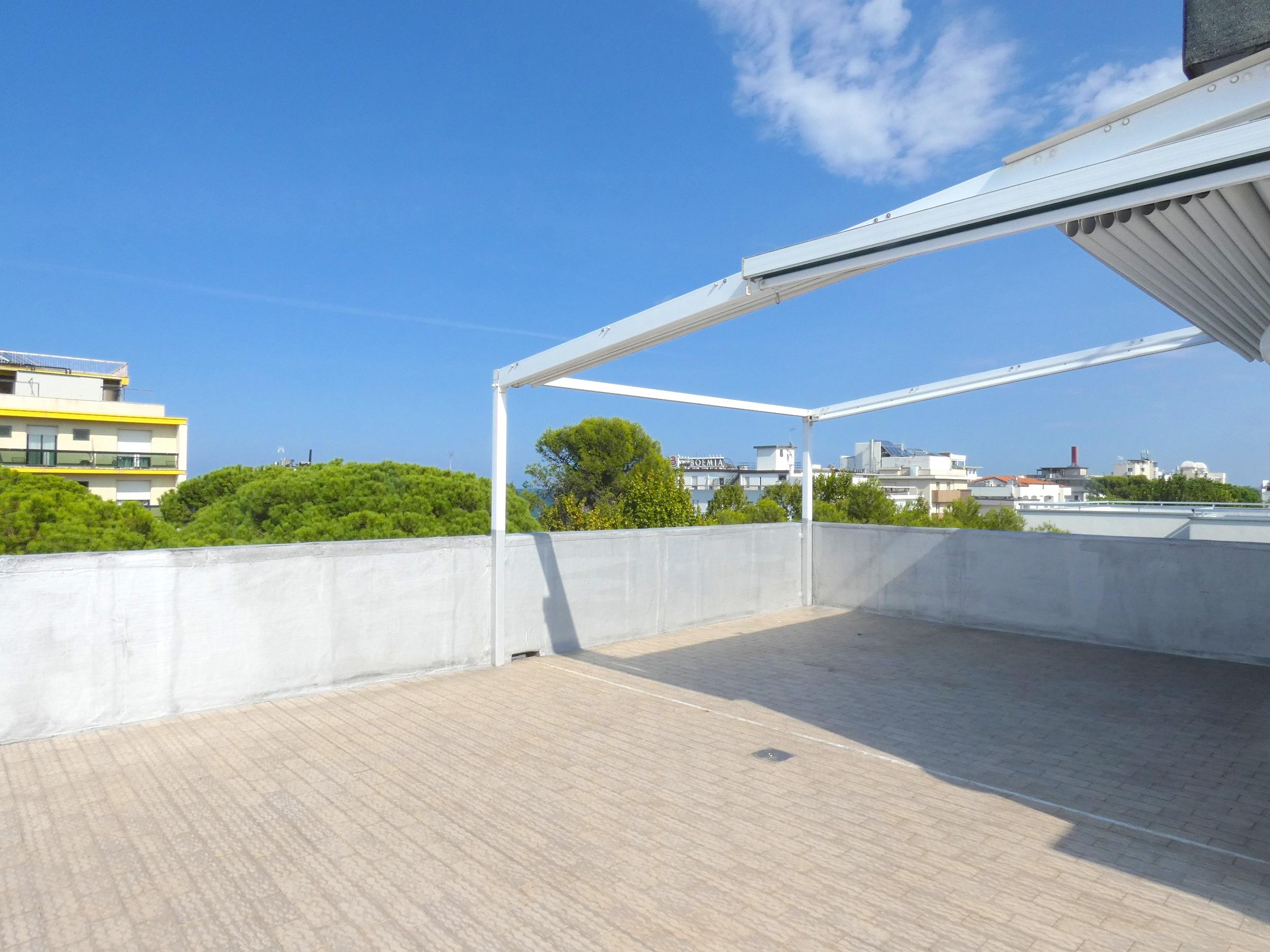 RICCIONE ABISSINIA, Attico in vendita con terrazzi abitabili vista mare