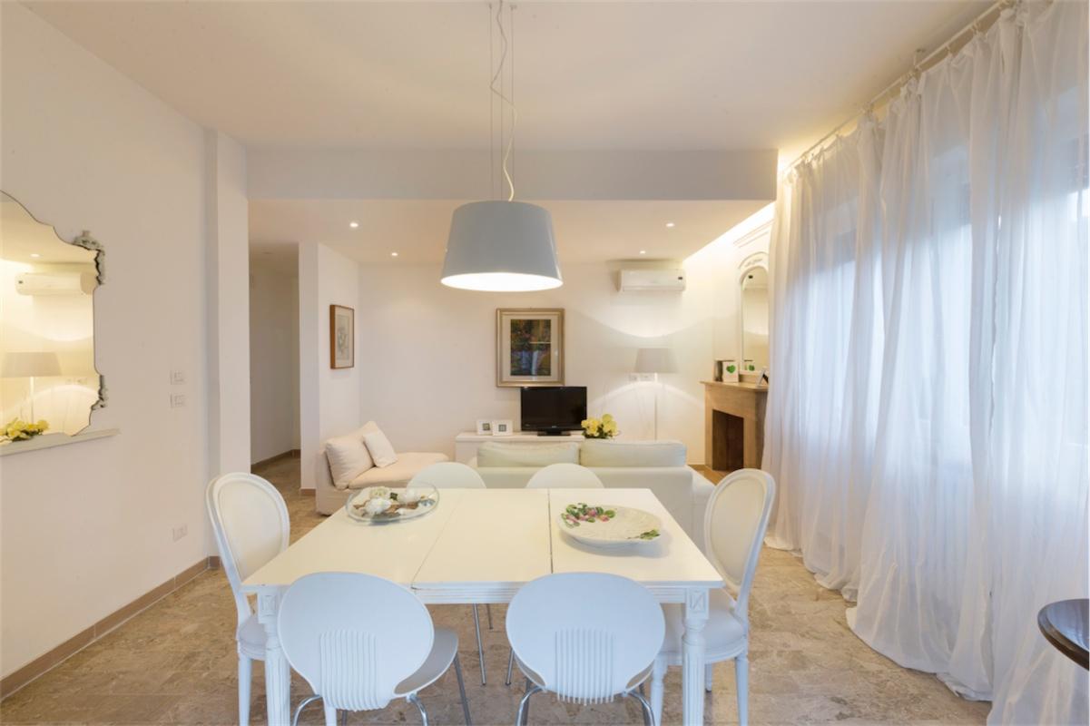 RICCIONE ABISSINIA,  Elegante appartamento con 3 camere in affitto stagionale