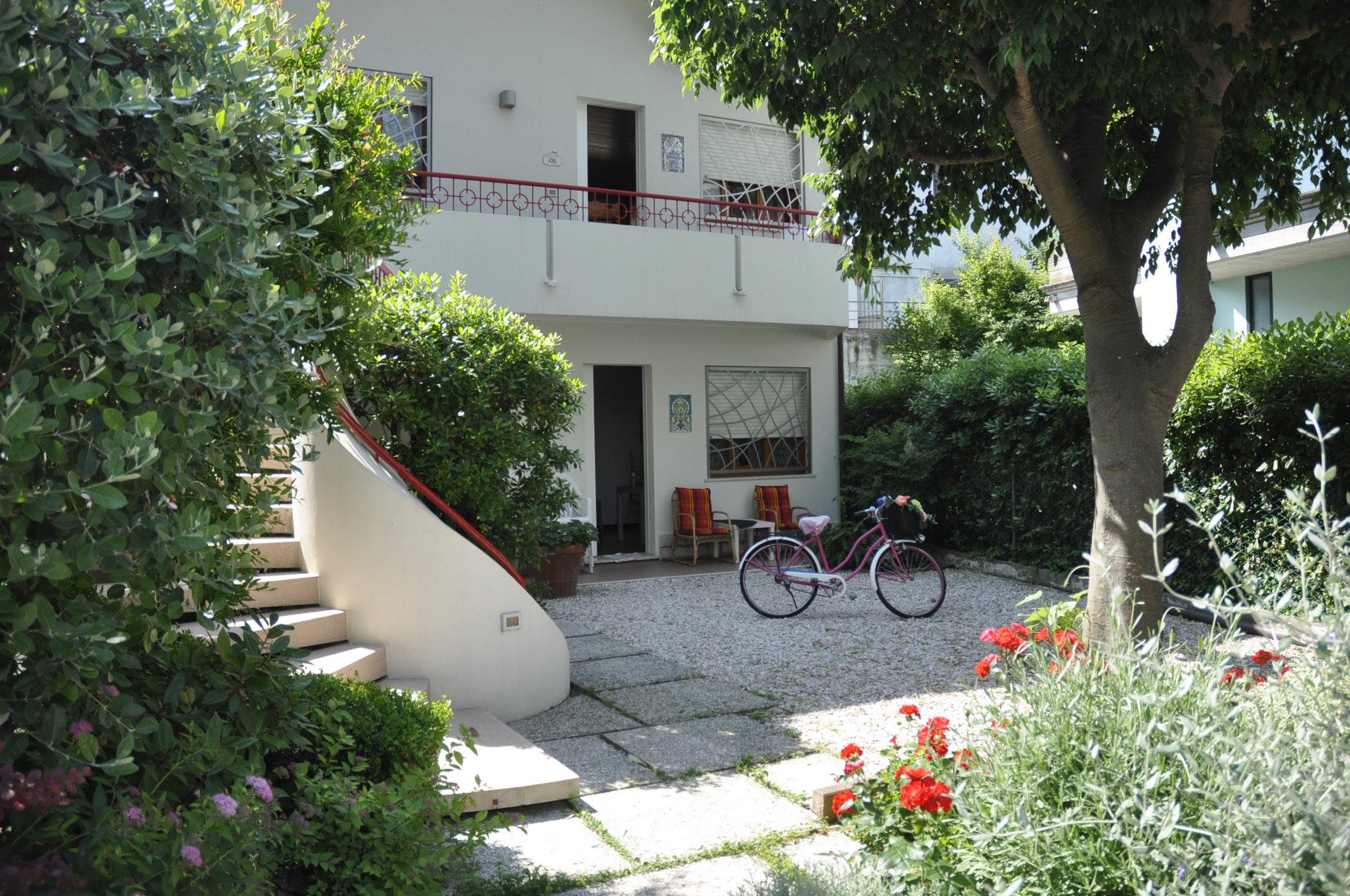 RICCIONE ALBA, Appartamento 3 camere e giardino in affitto LUGLIO