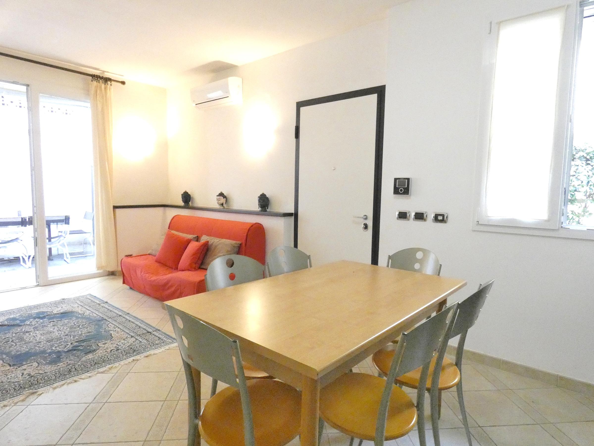 RICCIONE ABISSINIA,  ampio appartamento in affitto  STAGIONALE