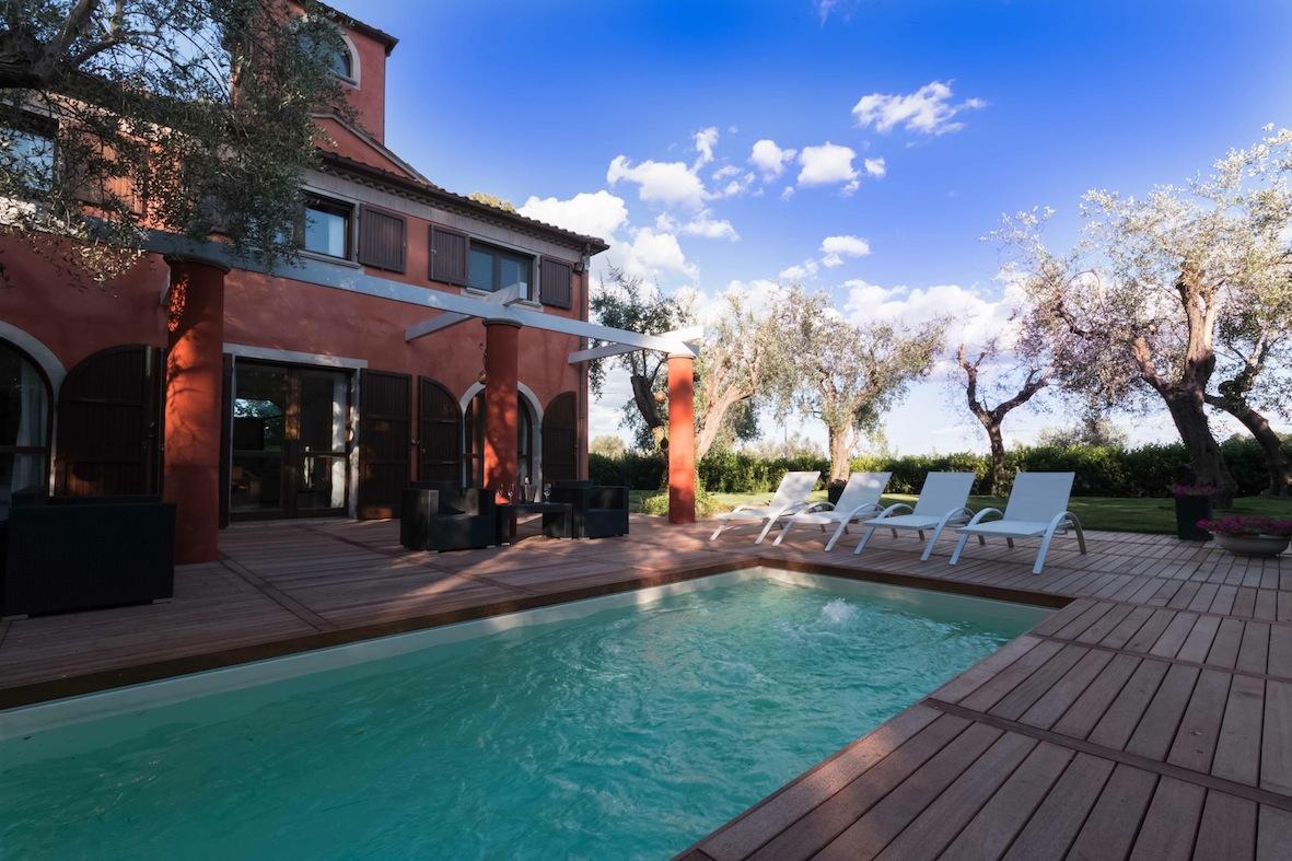 SCACCIANO, Villa con piscina  in affitto stagionale