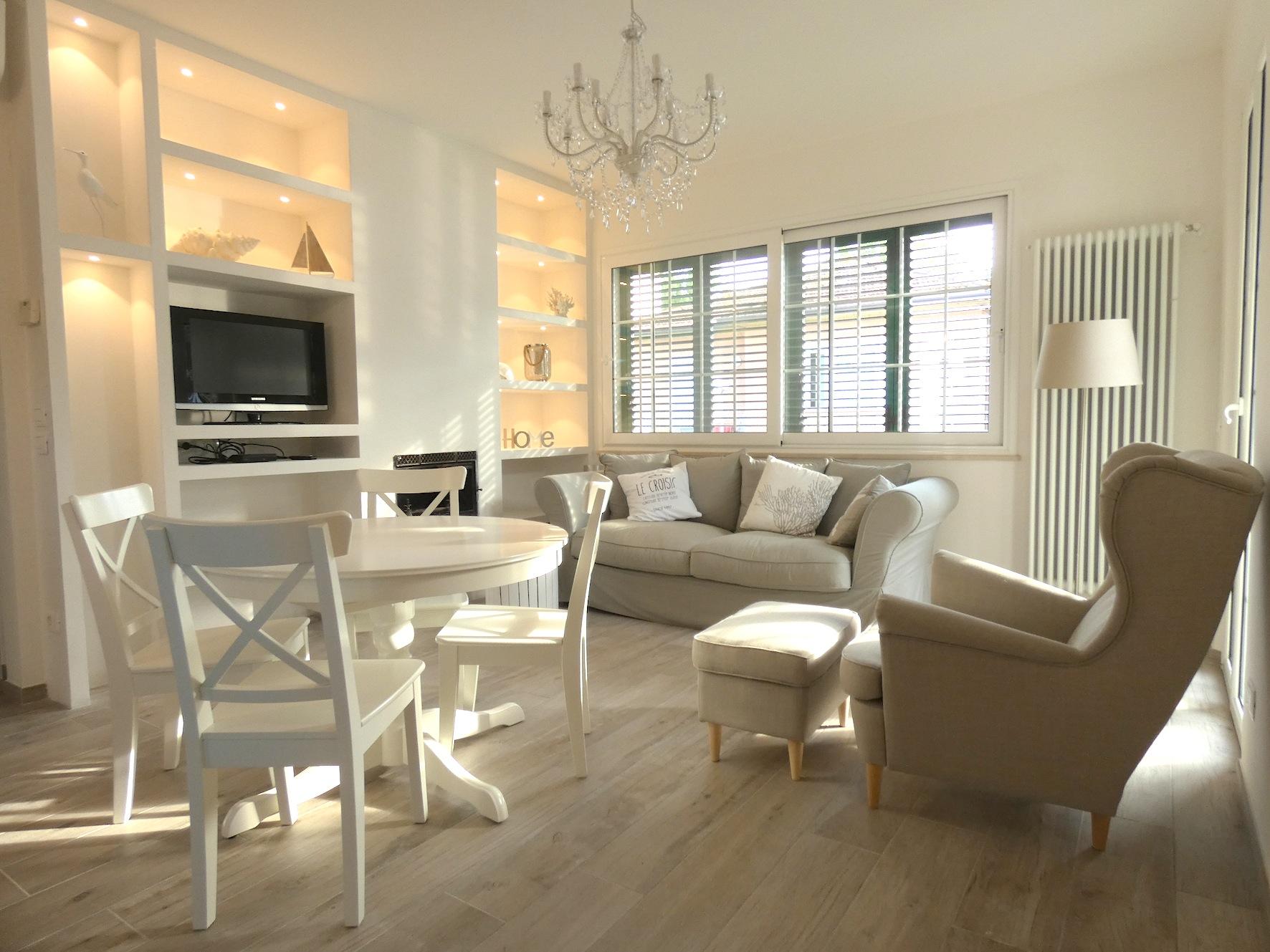 Riccione Abissinia, elegante appartamento in affitto stagionale totalmente RISTRUTTURATO