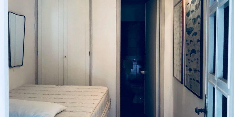 stanza e bagno in mansarda