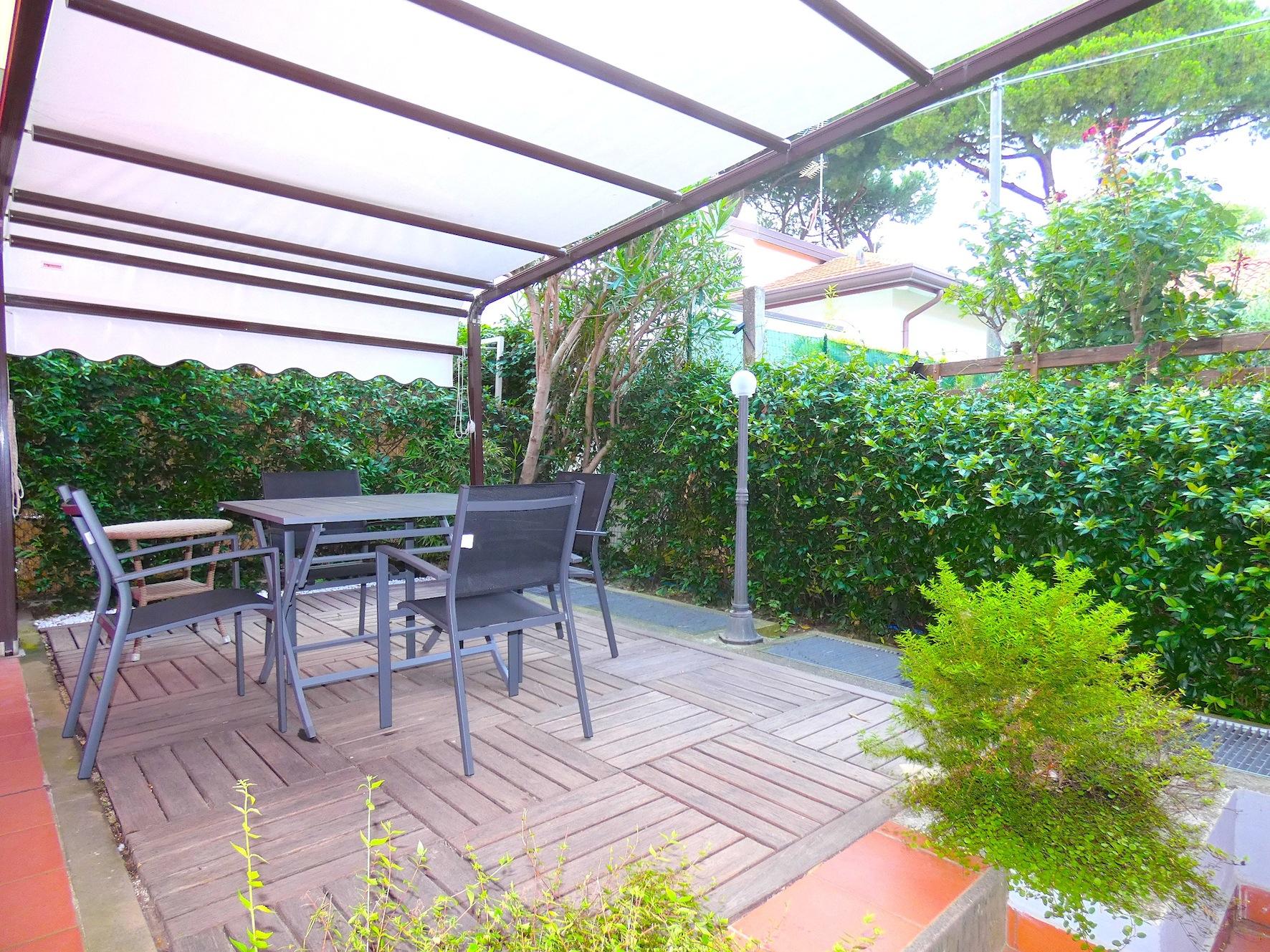 Riccione Abissinia Bilocale In Affitto Agosto Con Giardino Privato