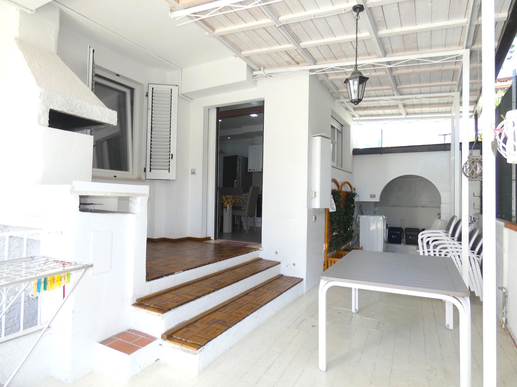 RICCIONE ABISSINIA, Appartamento con 3 camere al piano terra