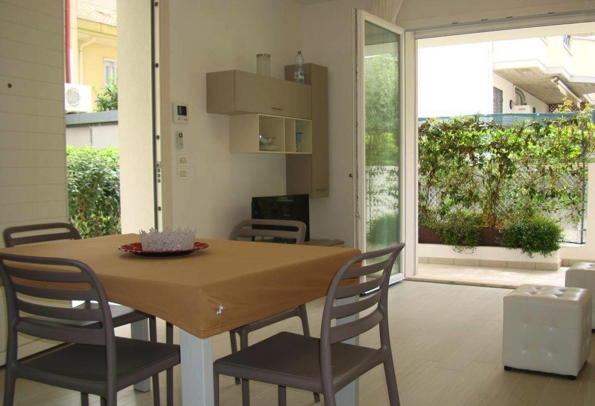 RICCIONE ABISSINIA, Appartamento con giardino in vendita