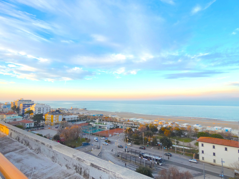 RICCIONE CENTRO , Appartamento in affitto stagionale a soli 200mt dal mare.
