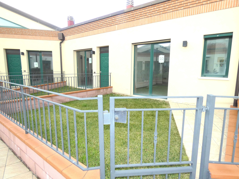 RICCIONE PAESE, Appartamento nuovissimo con ingresso indipendente e giardino