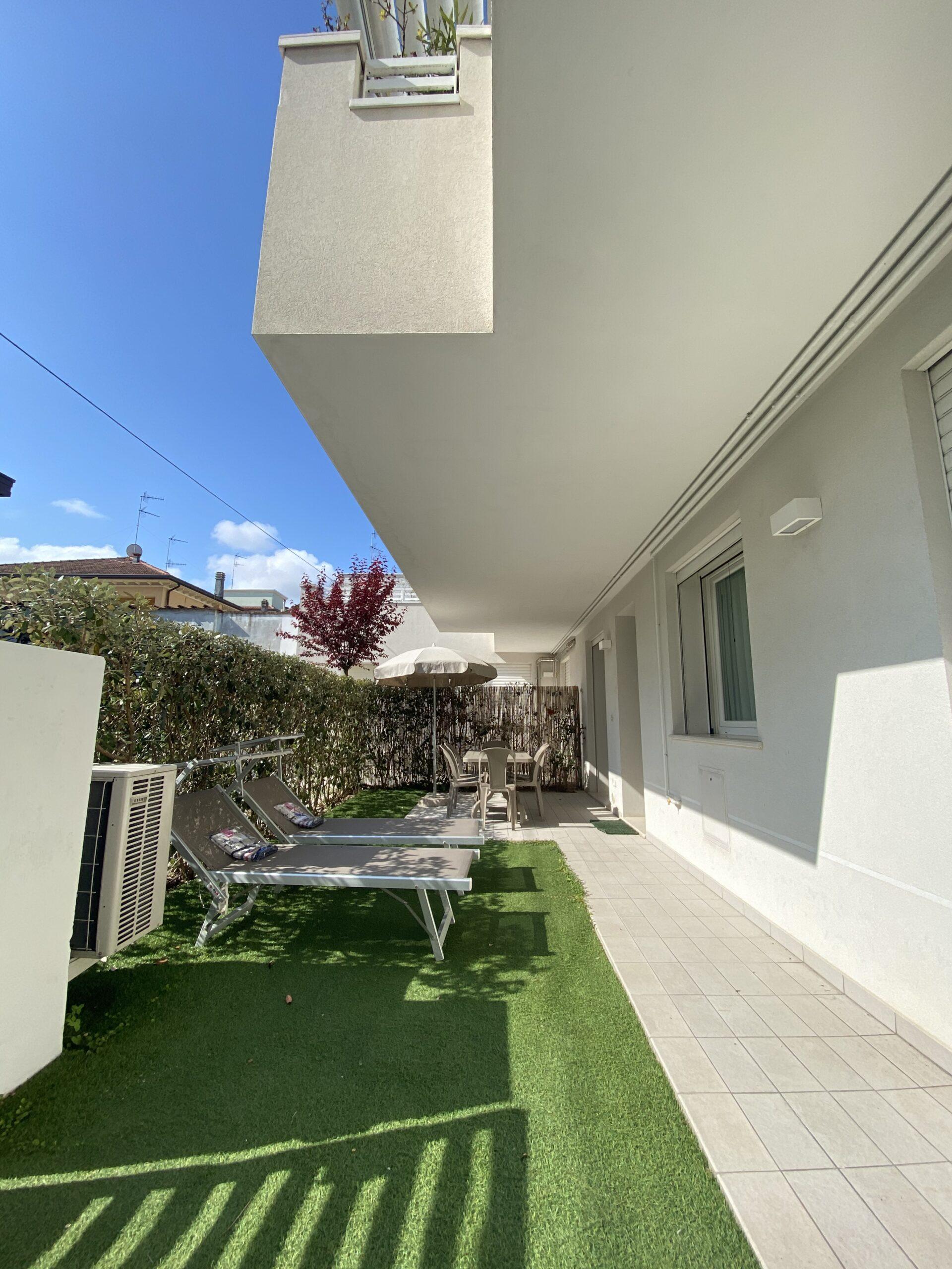 RICCIONE ABISSINIA, Appartamento con giardino in affitto