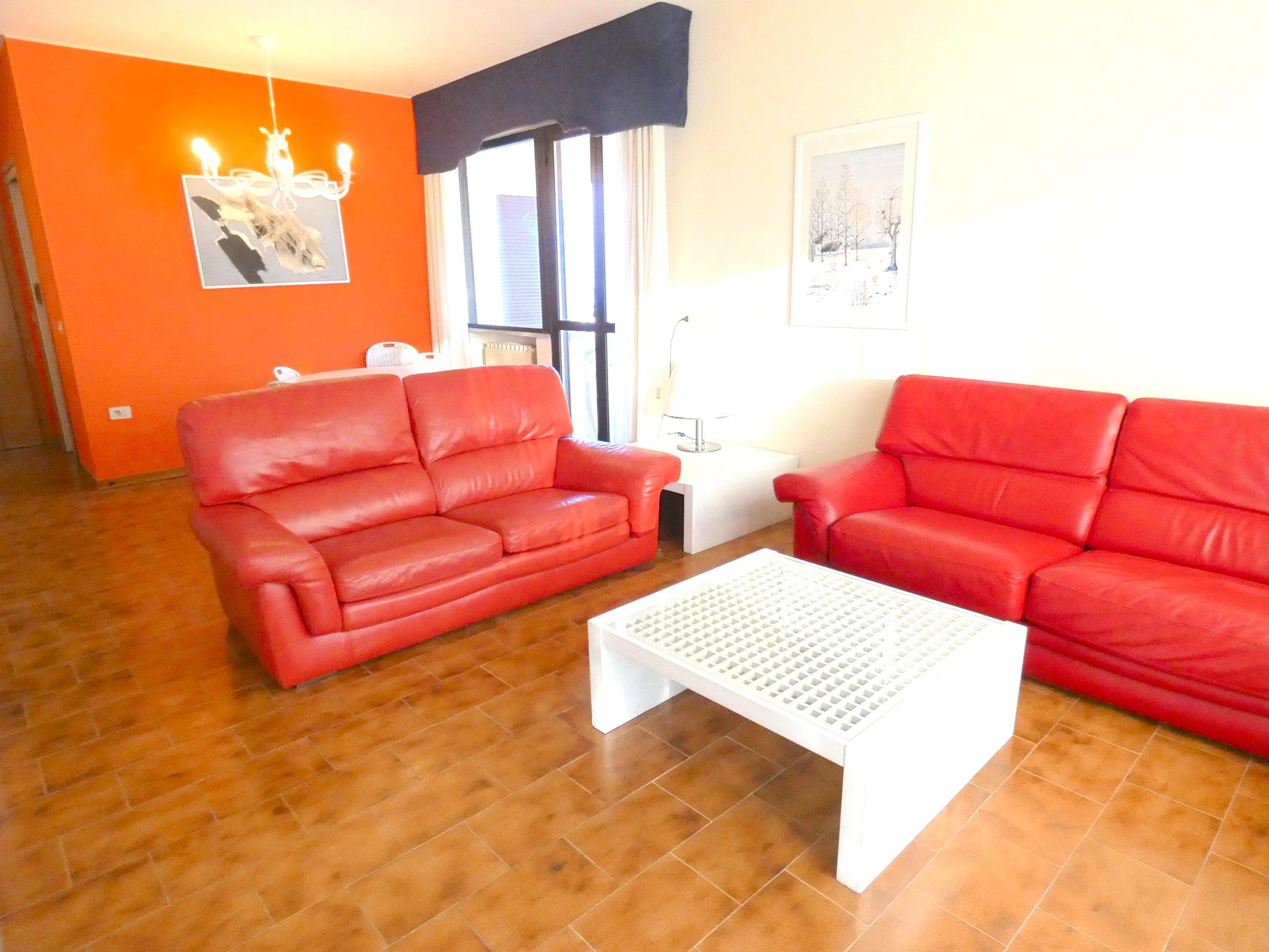 RICCIONE ABISSINIA, Ampio appartamento in affitto stagionale VISTA MARE