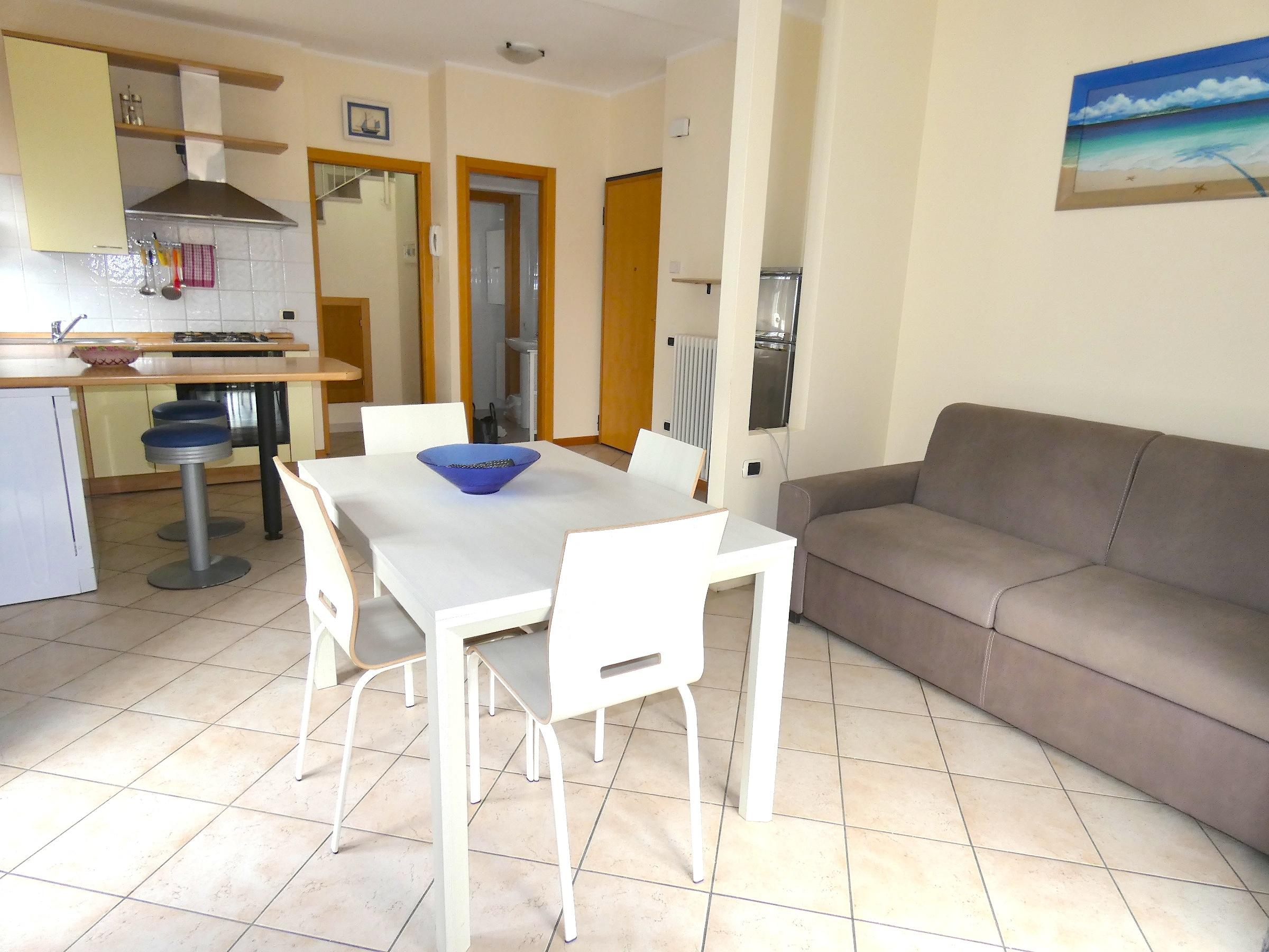 RICCIONE ALBA, Appartamento a soli 100 mt dal mare in affitto stagionale
