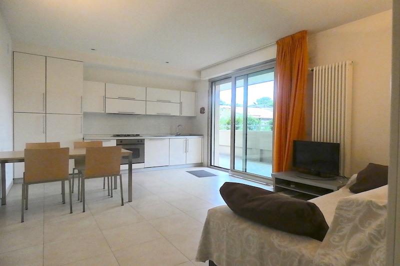 Riccione Abissinia, appartamento in affitto stagionale, due camere, terrazzo, garage