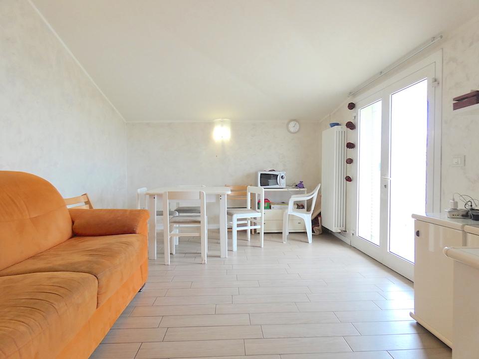 RICCIONE ABISSINIA,  Attico vista mare con terrazzi abitabili  affitto Agosto