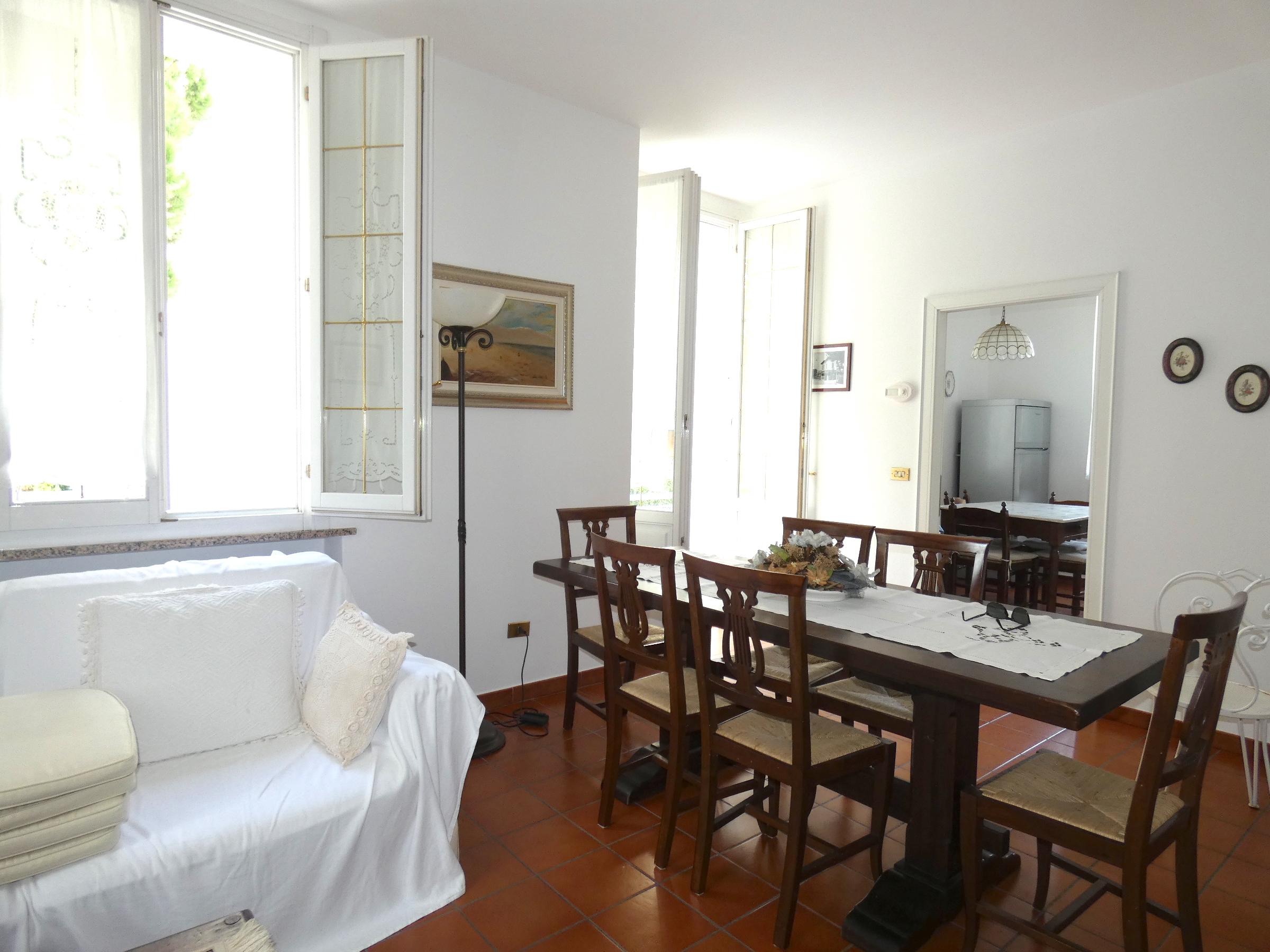 RICCIONE ABISSINIA, appartamento con terrazzo abitabile in bifamiliare  affitto stagionale