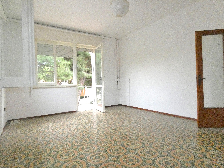 RICCIONE  PARCO,  appartamento non arredato in locazione annuale residenziale