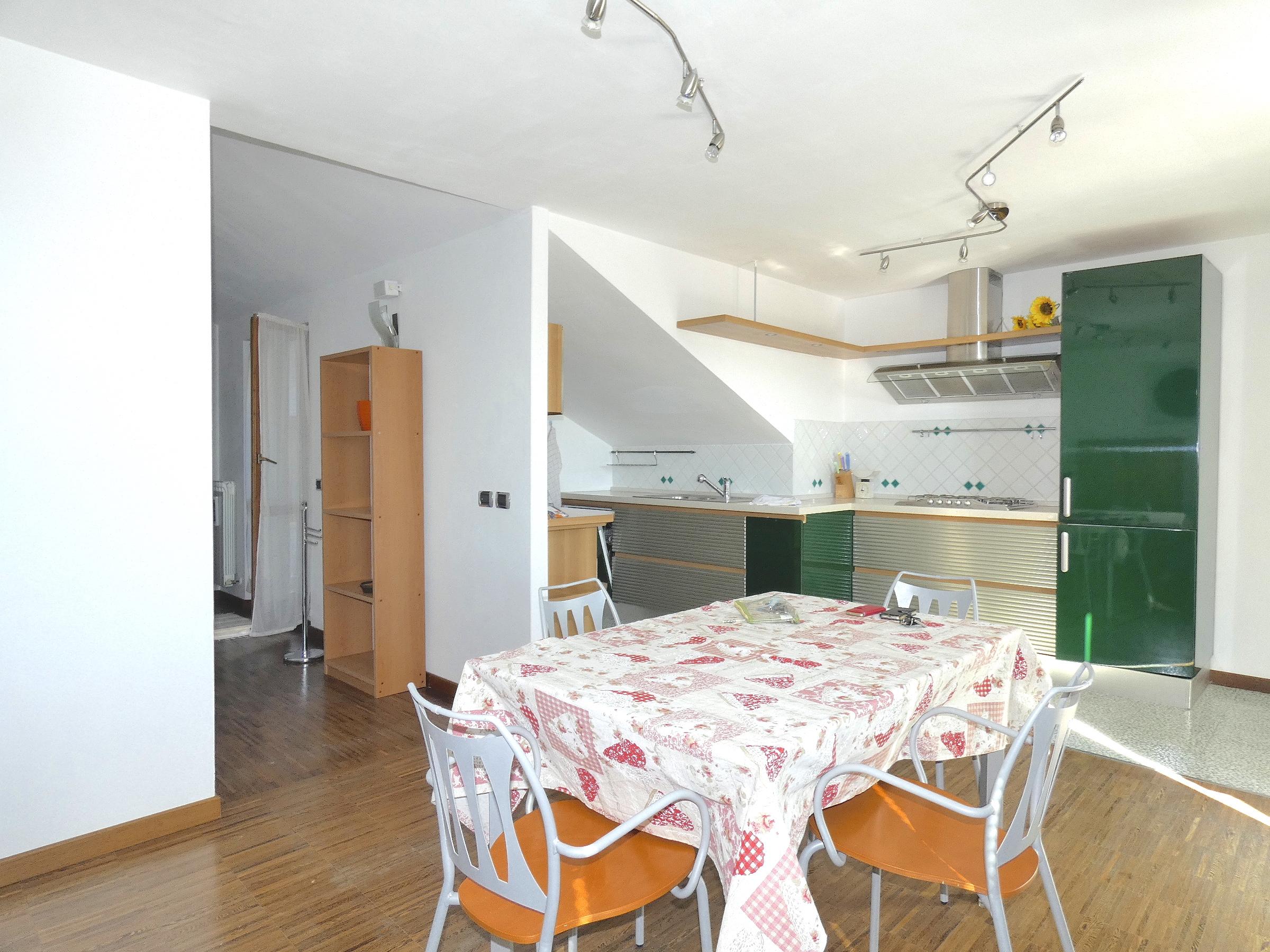 RICCIONE ALBA  VISTA MARE, Appartamento piano alto in locazione stagionale