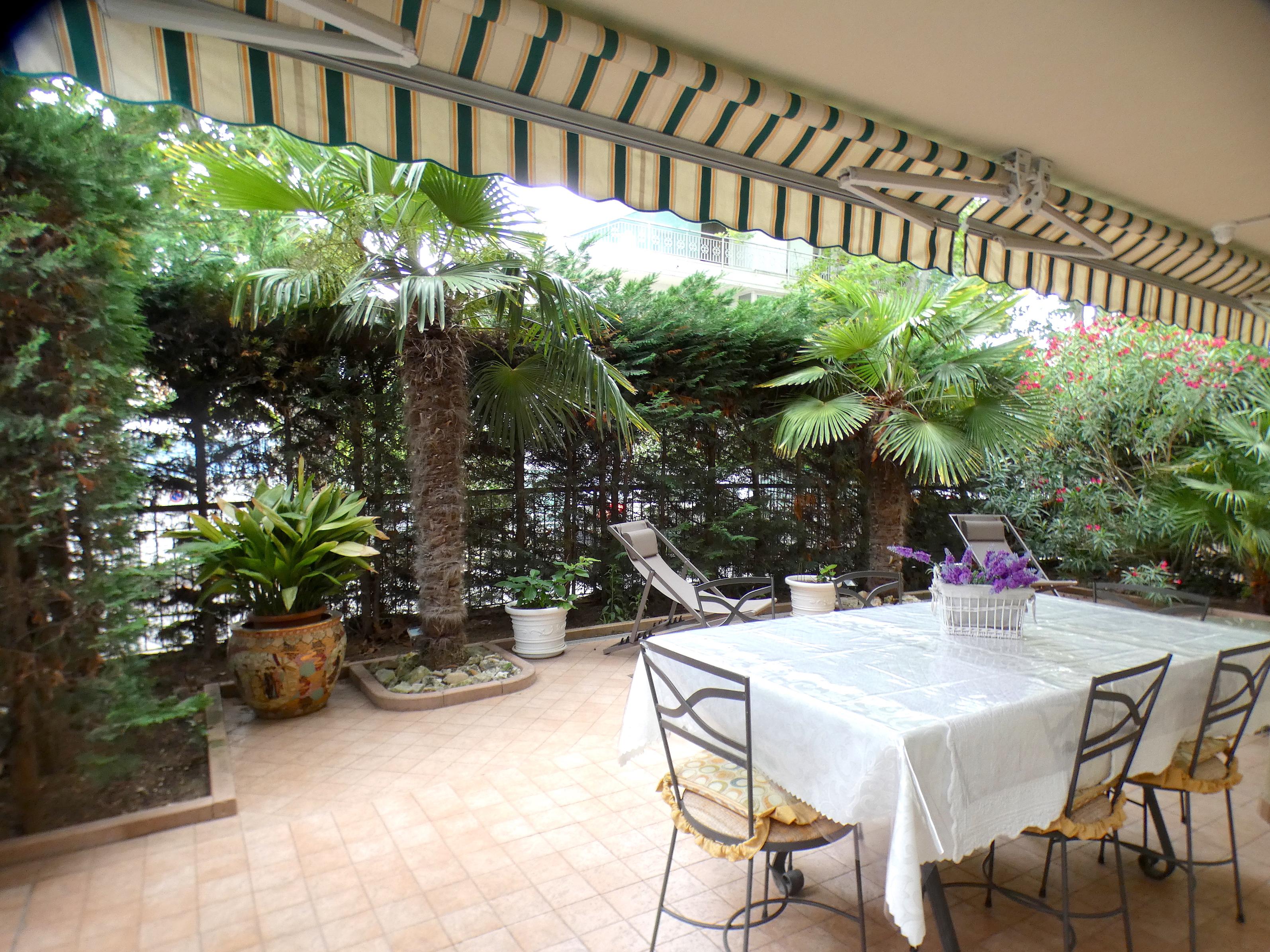 RICCIONE ALBA, Elegante trilocale con corte esclusiva, in vendita