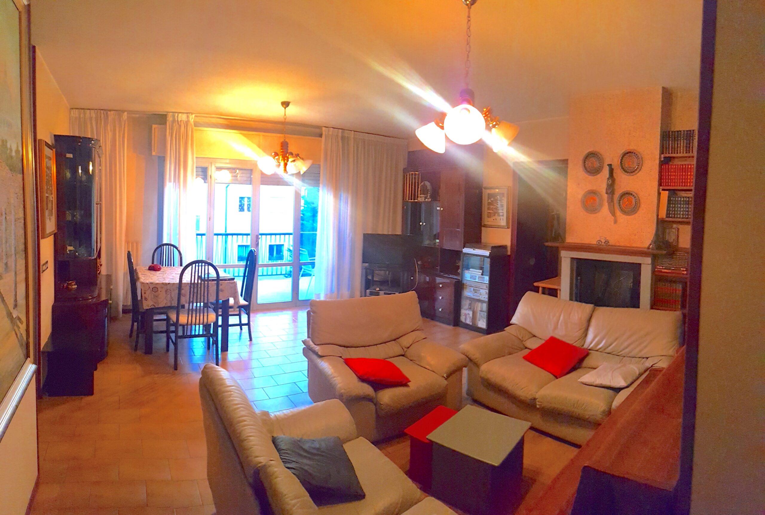 RICCIONE ZONA PARCO, 5 locali ampio terrazzo e garage in vendita