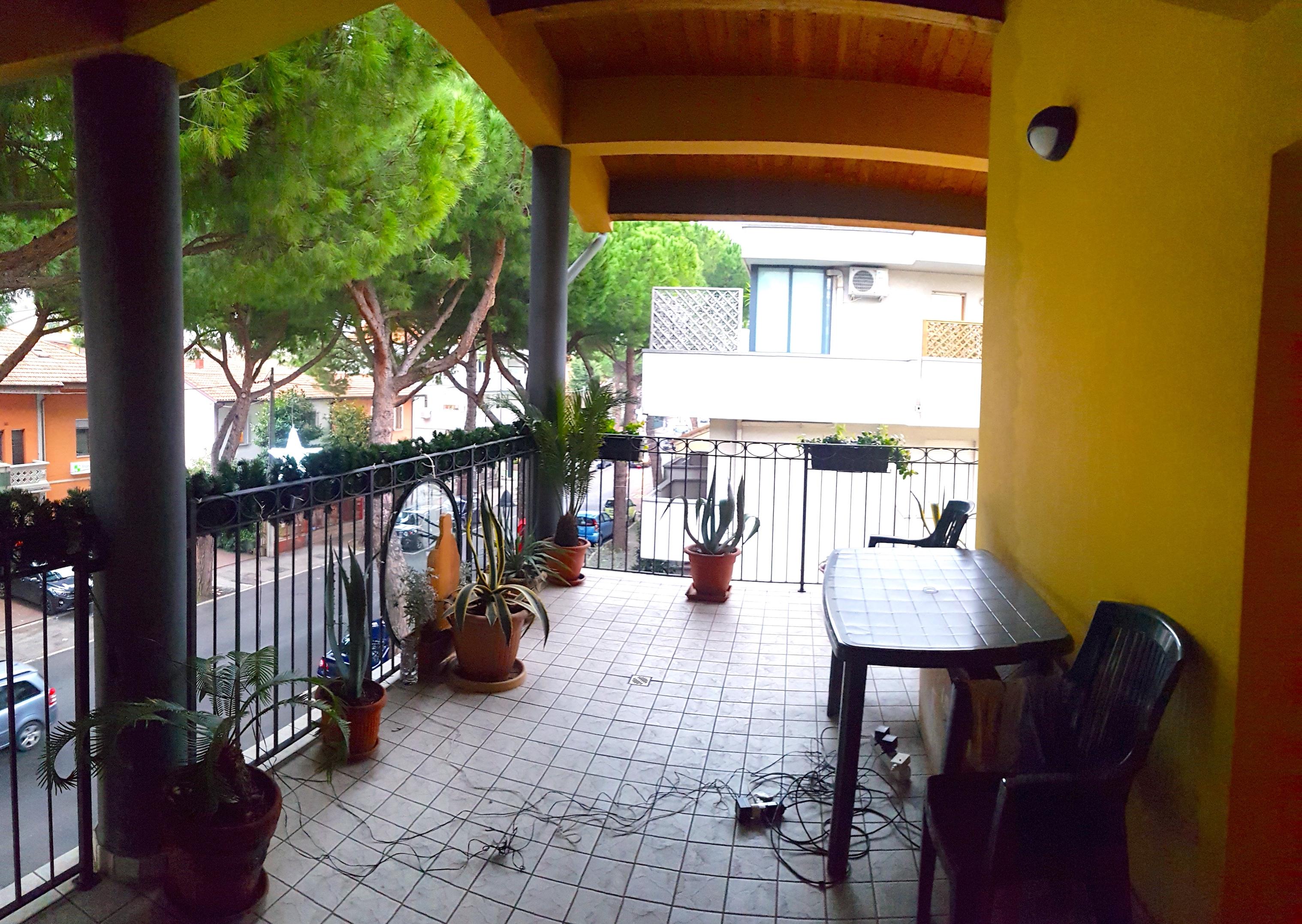 RICCIONE PAESE, 5 locali su due piani con terrazzo