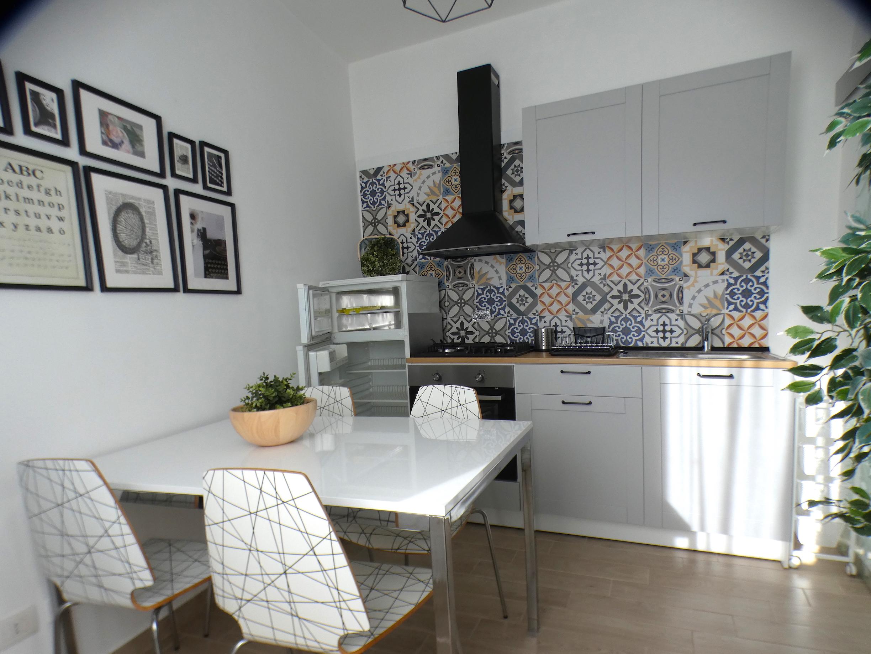 RICCIONE ALBA, 4 locali con terrazzo ristrutturato in vendita