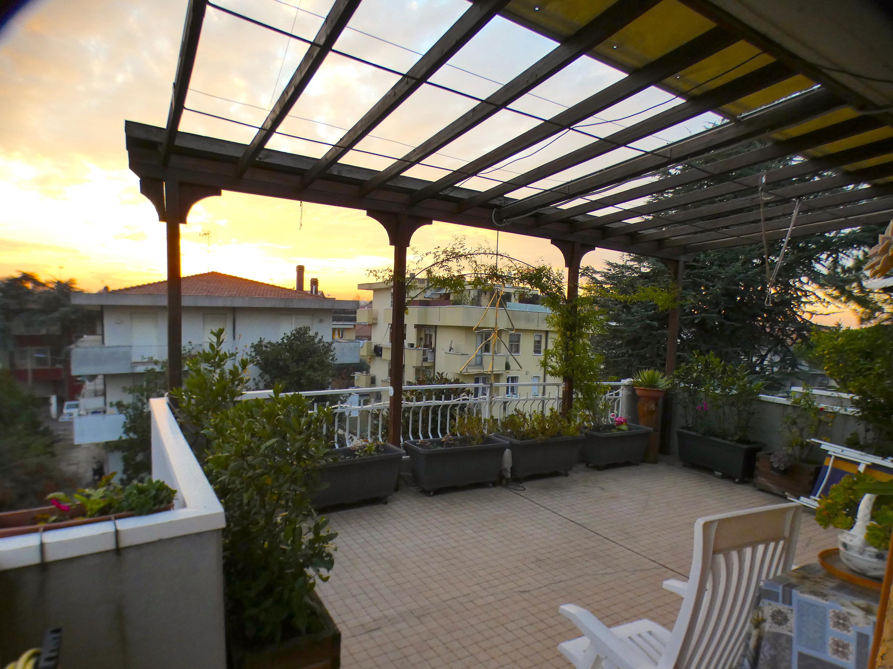 RIMINI ZONA CENTRO OSPEDALE, Ampio attico con terrazzi abitabili in vendita