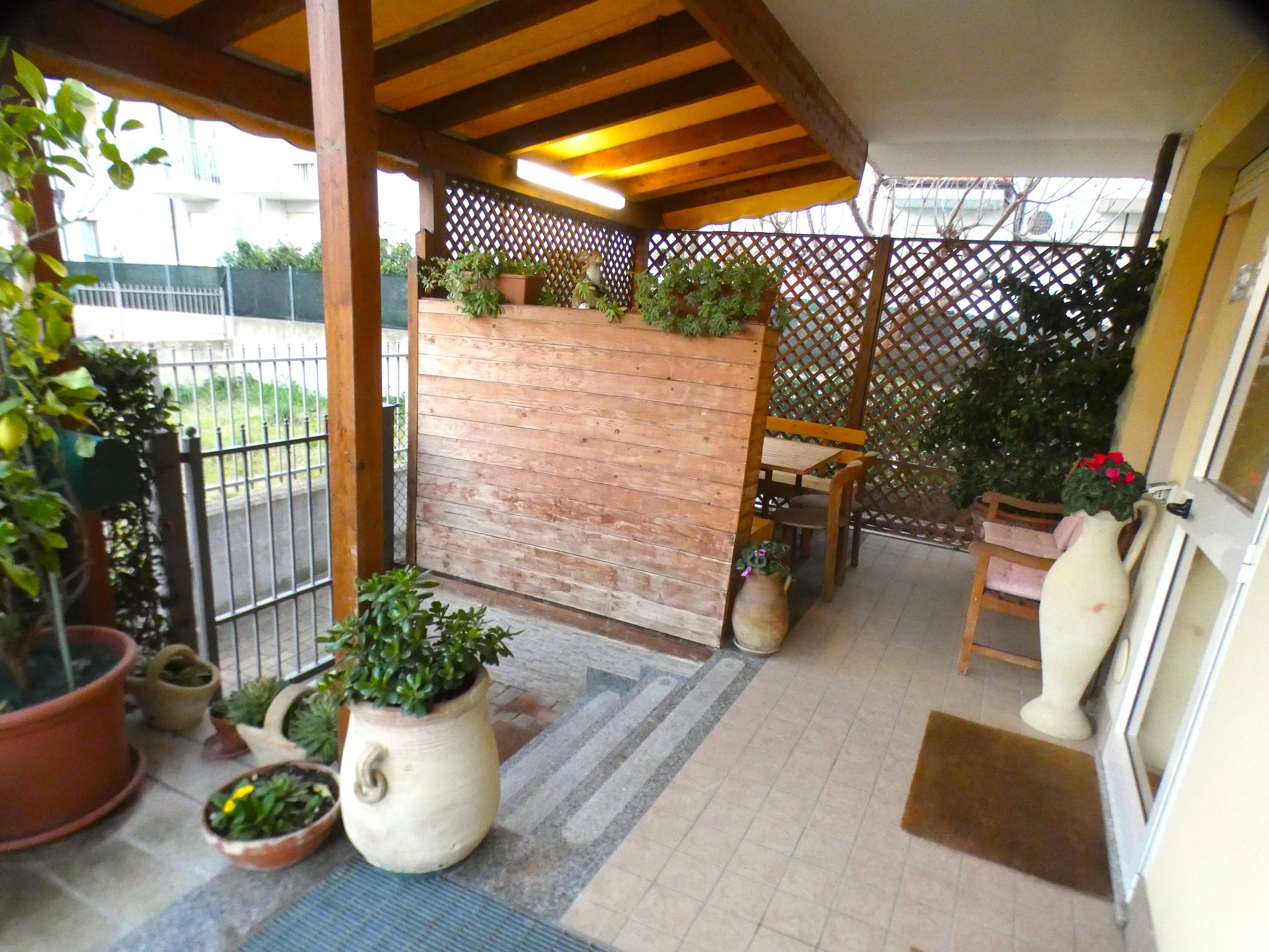 SANT'ANDREA IN CASALE, 3 locali giardino box posto auto