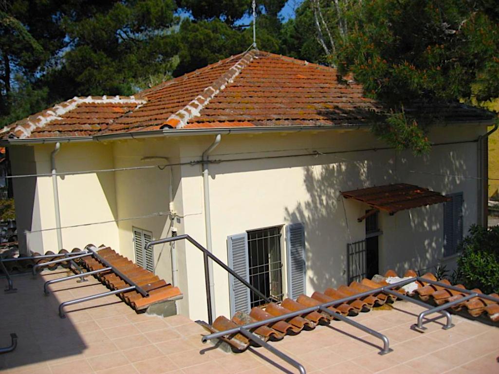 RICCIONE ABISSINIA, villa indipendente 5 locali con giardino
