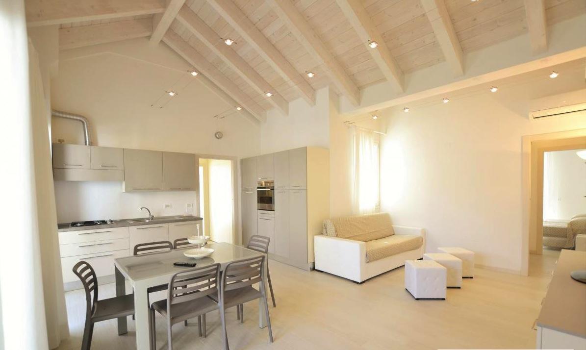 RICCIONE ABISSINIA, Appartamento con ampio terrazzo in vendita
