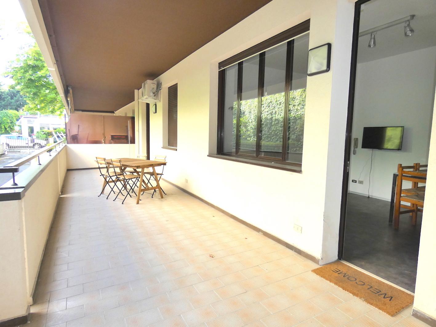 RICCIONE CENTRO, Trilocale con ampio terrazzo abitabile in affitto a giugno
