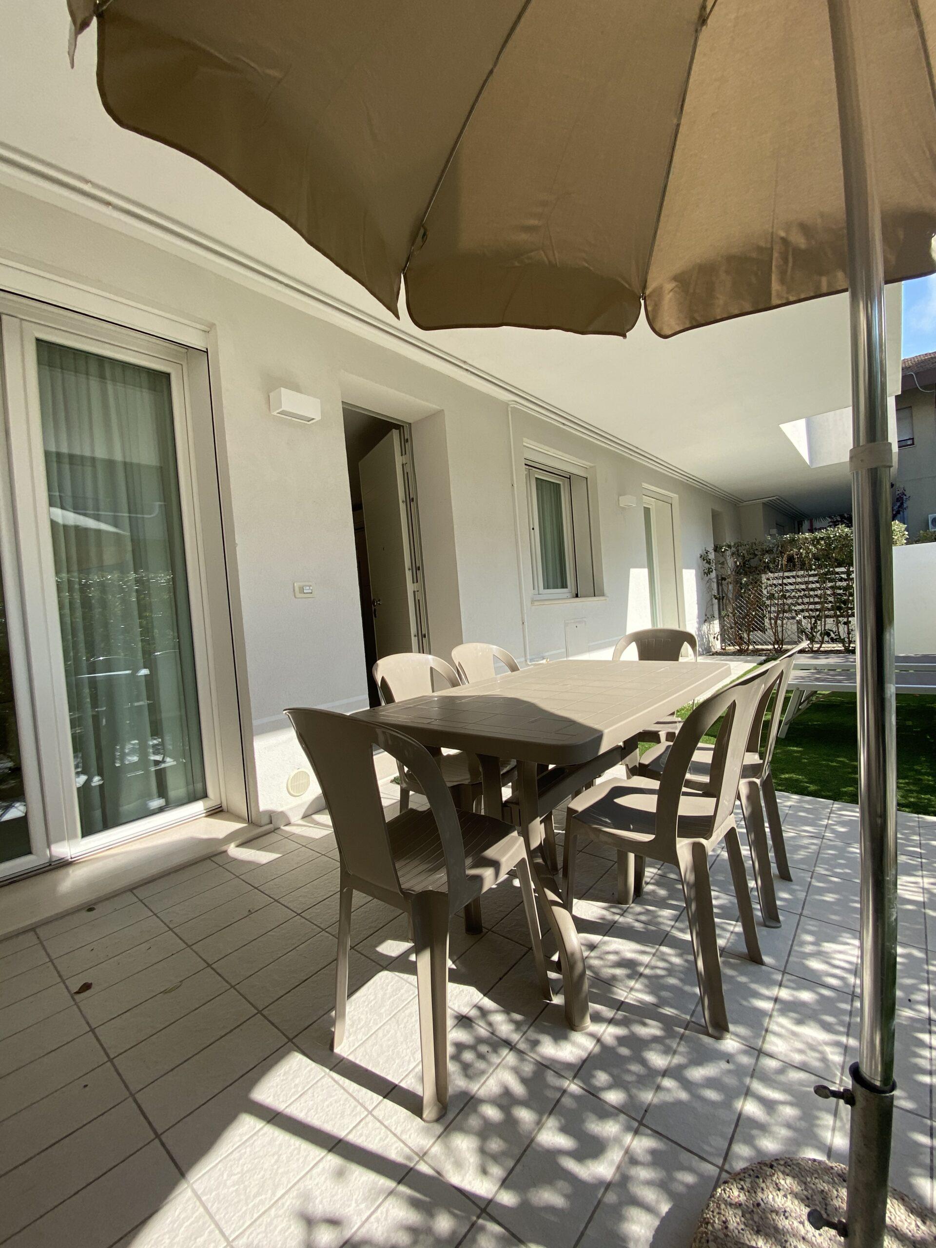 RICCIONE ABISSINIA, Appartamento con giardino in affitto a luglio