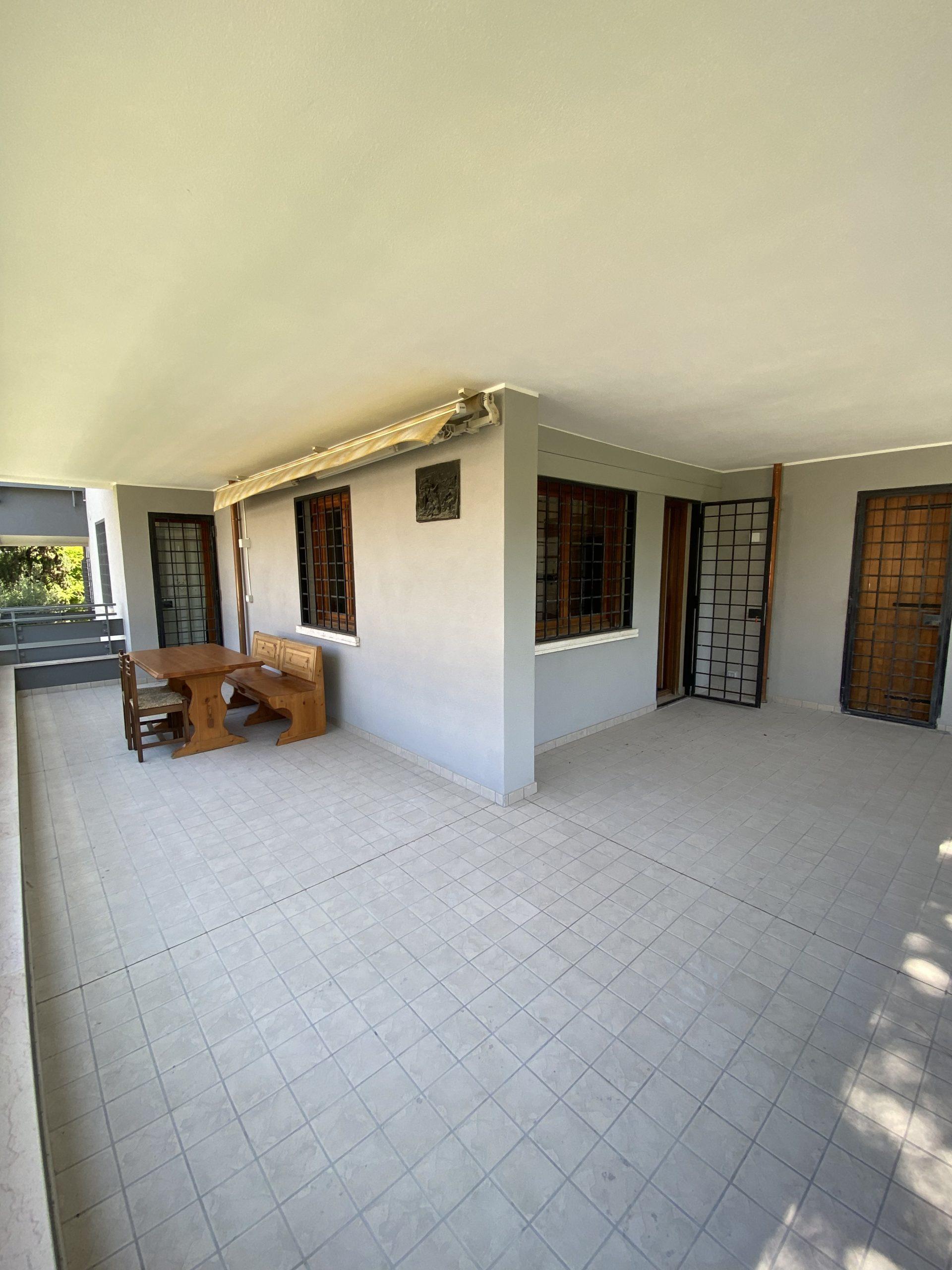 RICCIONE ABISSINIA: 3 camere da letto e terrazzo abitabile affitto agosto