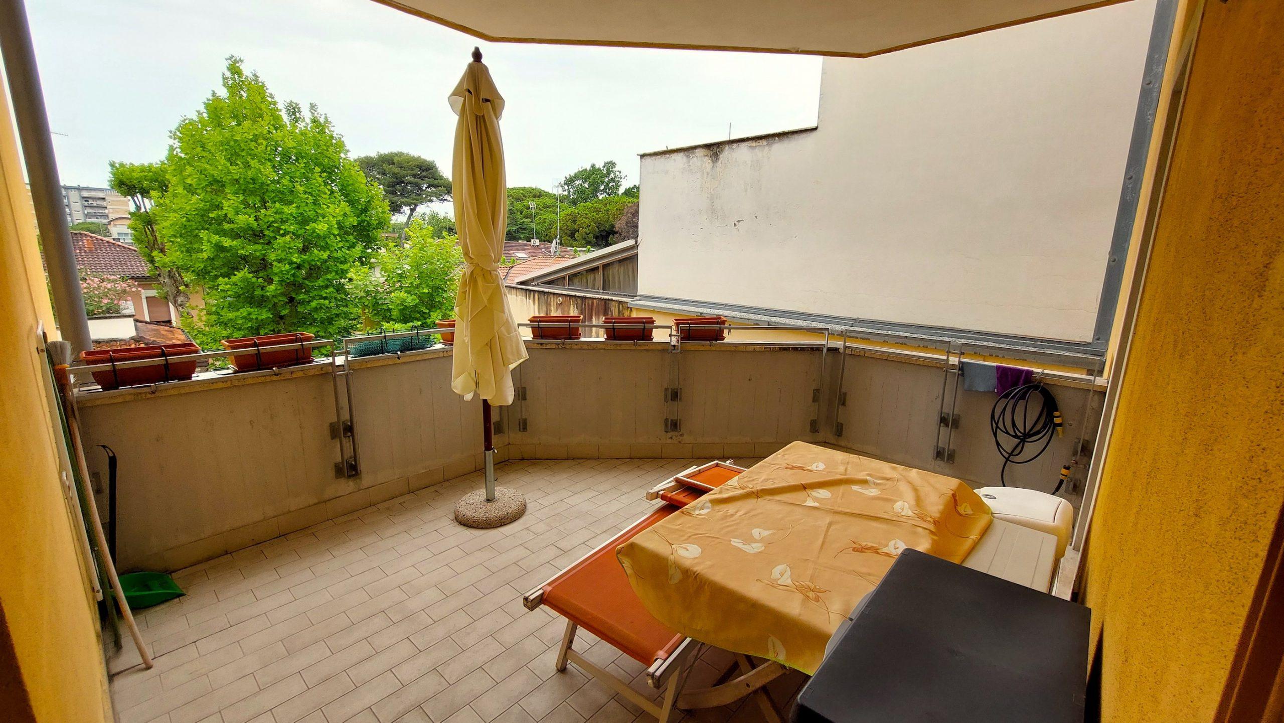 RICCIONE CENTRO-ABISSINIA, 2 locali con terrazzo e box in vendita